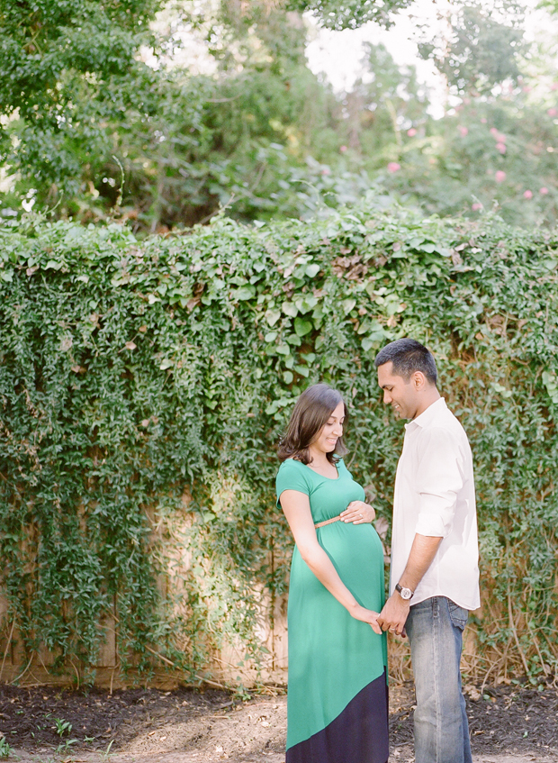 expecting couple photograph